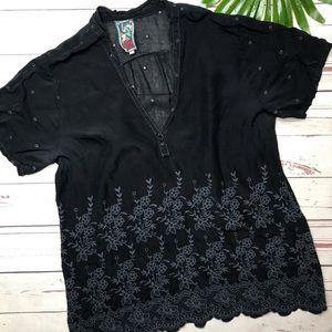 •Johnny Was• sz L black embroidered blouse v neck